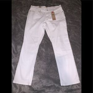 Levi's classic Straight / Brand New With Tags